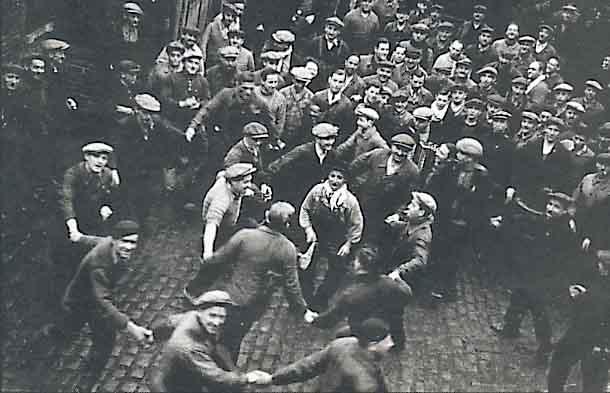 joie-ouvriers POLITIQUE dans REFLEXIONS PERSONNELLES